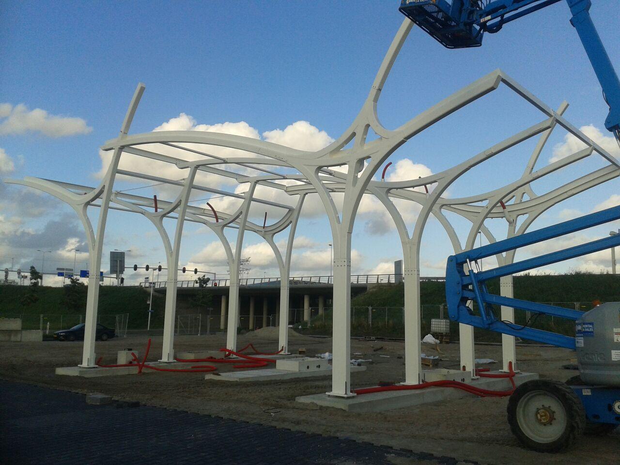 Luifel lNG station te Utrecht